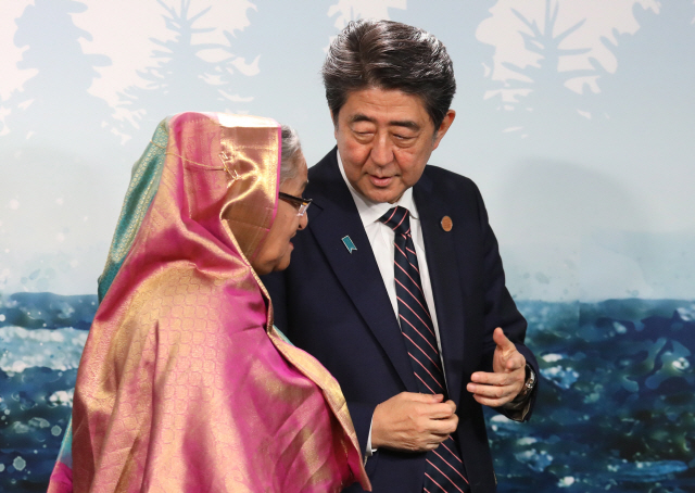 日 아베, 中 시진핑은 이미 다녀갔는데...韓은 17년 만에 찾아가 총리회담