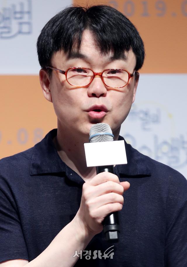 인사말하는 정지우 감독 (유열의 음악앨범 제작보고회)