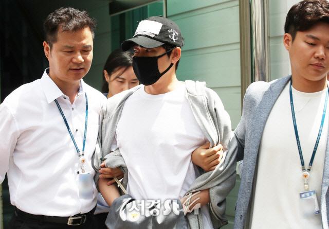 [종합]'얼굴 공개 어떻게 할 거냐'…강지환 성폭행 피해자 '합의 종용' 일파만파