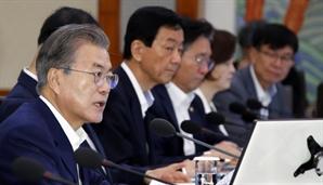 '투톱외교' 강조한 文…'순방 비판' 李총리 감싸기