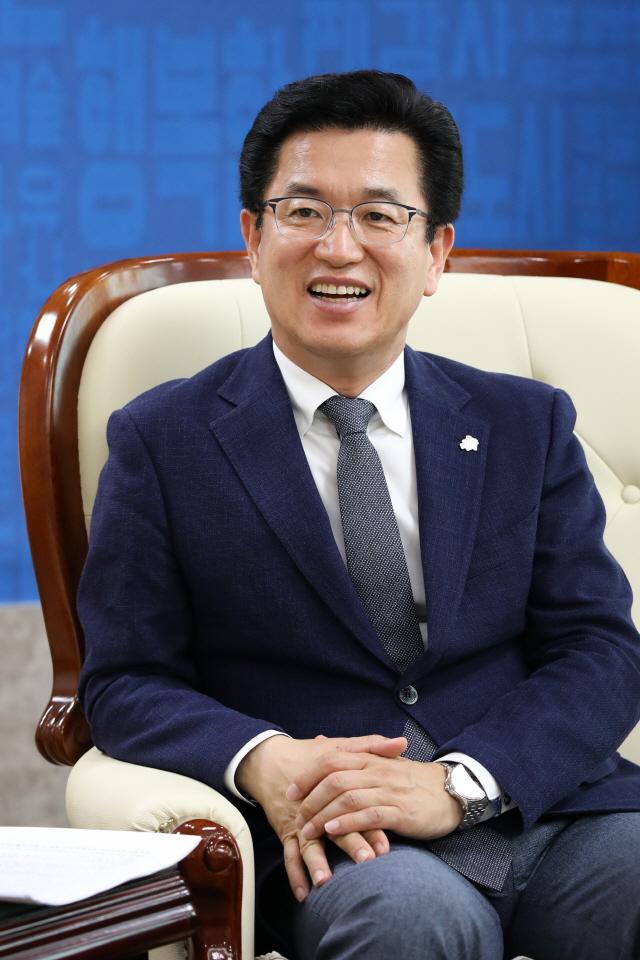 허태정 대전시장 '충남과 다각적 협력...혁신도시 선정에 올인'