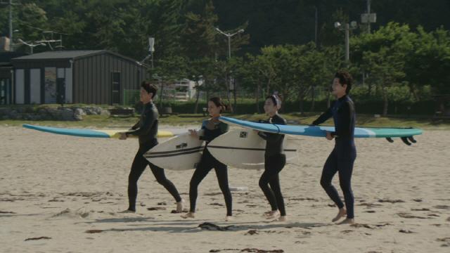 [공식]김슬기, JTBC '서핑하우스'로 예능 복귀..리액션 마스터 등극