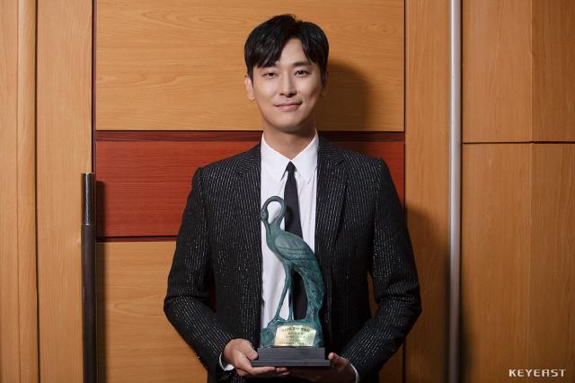 주지훈, 한국 영화 제작가 협회 & 춘사영화제 '암수살인' 남우주연상 2관왕