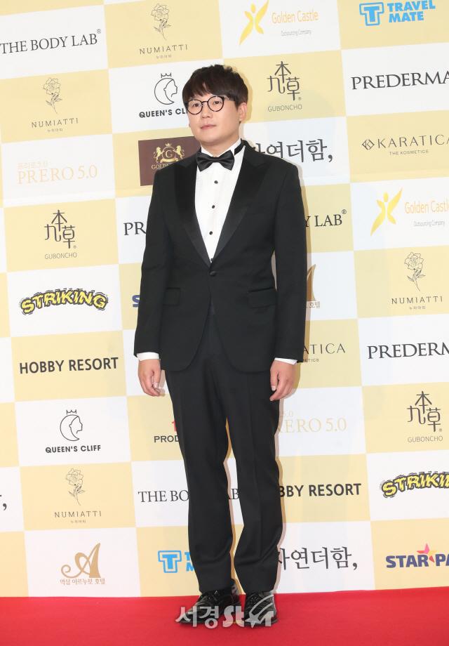 시상식 참석한 김강현 (제24회 춘사영화제)