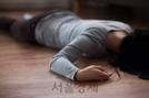 """""""배신했다"""" 동거남 벽돌로 내려친 60대 징역 9년"""