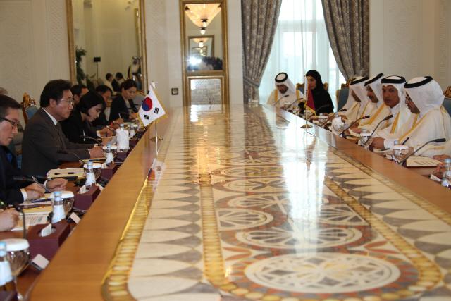 카타르 총리 '북부가스전 韓 참여희망' 李총리 '카타르 같은 친구는 축복'
