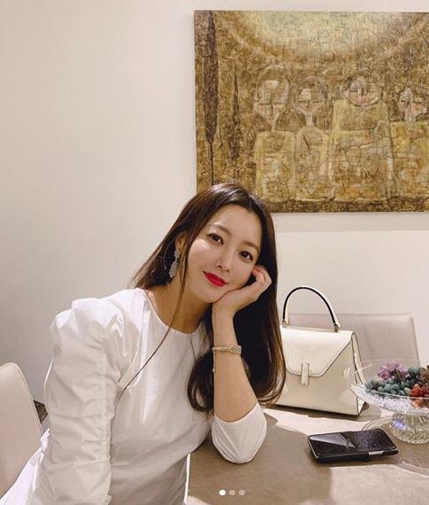 김희선 '세상 미모가 아냐' 고혹적인 섹시美, 선녀가 따로 없네