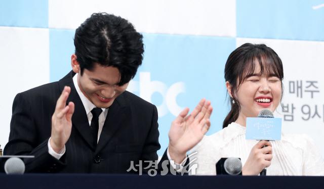 옹성우-김향기, 박장대소 (열여덟의 순간 제작발표회)