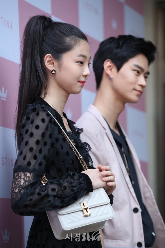 김다솜-현우석, 여유로운 포즈