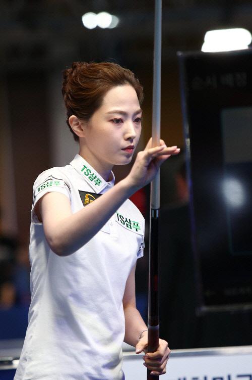 '당구여신' 차유람 3쿠션 데뷔전서 '최하위' 분루…'묵묵히 훈련 임할 것'