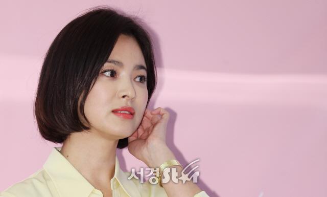 """송혜교, 이혼 후 심경 고백 """"단지 그럴 운명이거나 그럴 운명이 아니었다"""""""