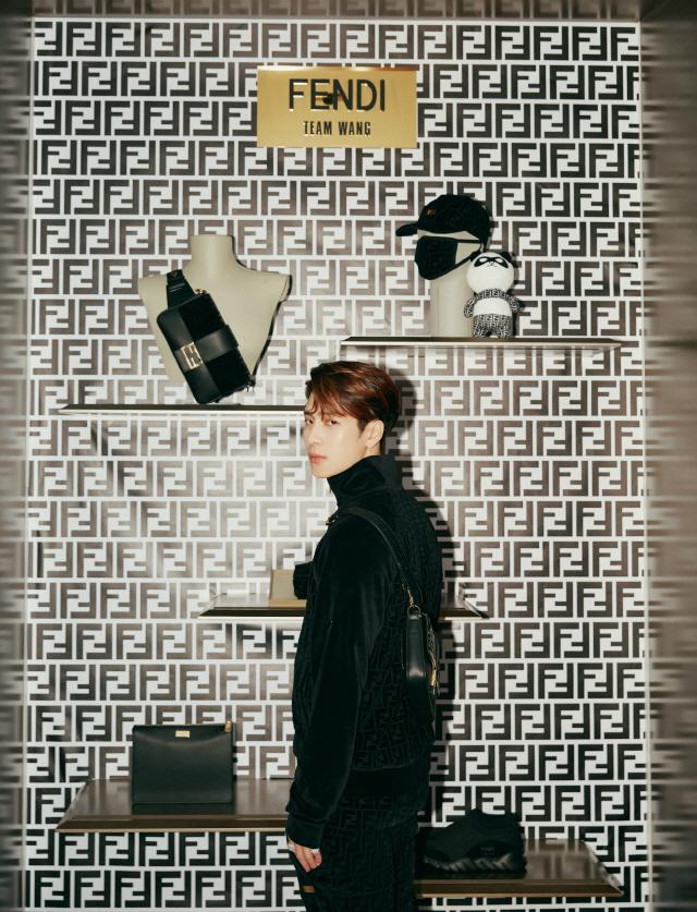 GOT7 잭슨, 유명 패션 브랜드 디자인 참여 '출시 직후 품절+영향력 입증'