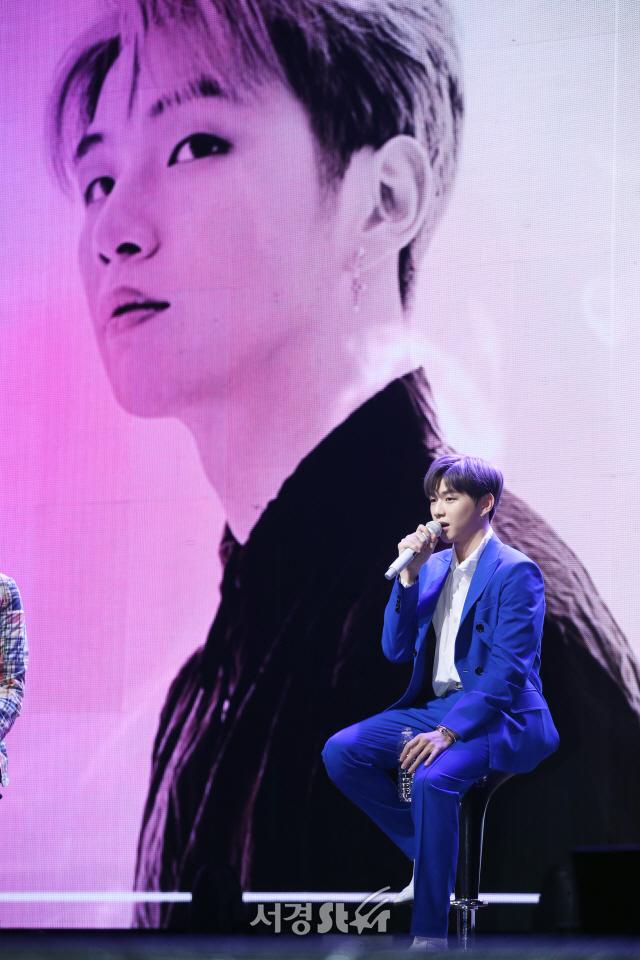 """[종합] 강다니엘, 워너원→'솔로' 홀로서기  """"희망을 주는 사람이 되고 싶다"""""""