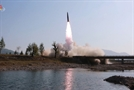 "WSJ ""北, 싱가포르 북미회담 이후 핵무기 12기 제조한듯"""