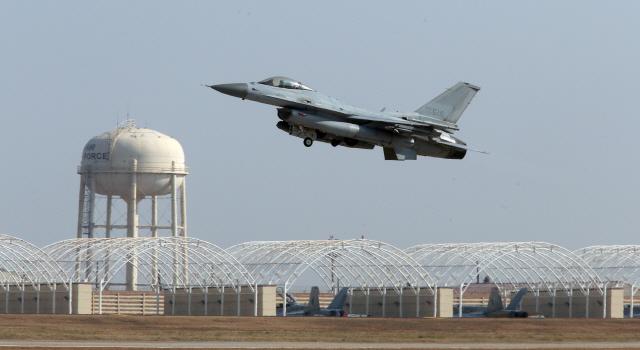 [권홍우 선임기자의 무기이야기] F-15K 갈수록 피로 누적..'F-15·조기경보기 추가 도입해야'