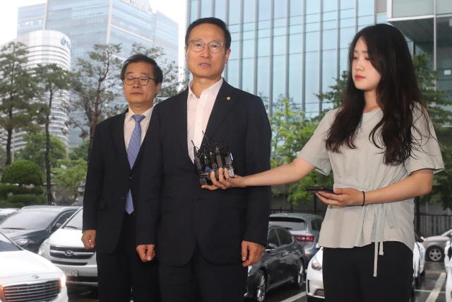 [의사당역 1번 출구] 다가오는 총선 공천…한국당 변수 떠오른 수사
