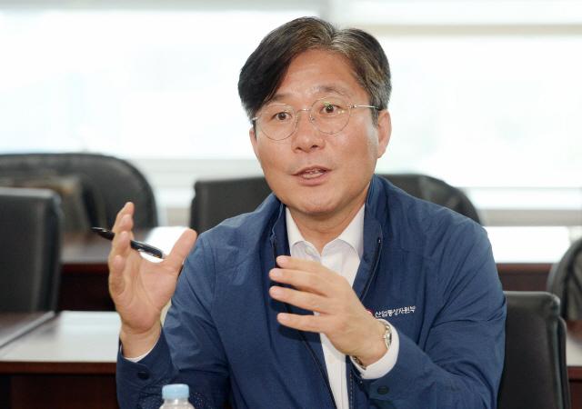 """성윤모 SNS로 日주장 반박...""""사태악화 日결정에 깊은 유감"""""""