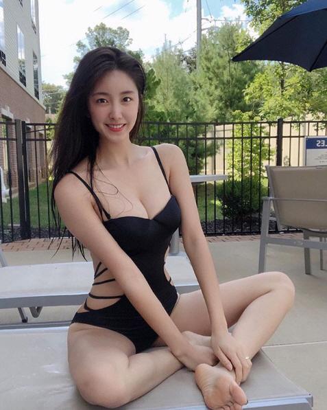 안지현, 이런 파격적인 수영복이라니…적나라한 S라인 섹시美