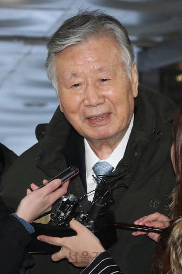 부영 이중근 장남 '무신고 증여 가산세' 110억원 돌려받는다