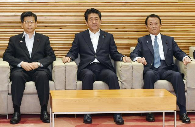 """日외무 부대신 """"韓 일본 백색국가 제외, 대항조치면 WTO 위반"""" 주장"""