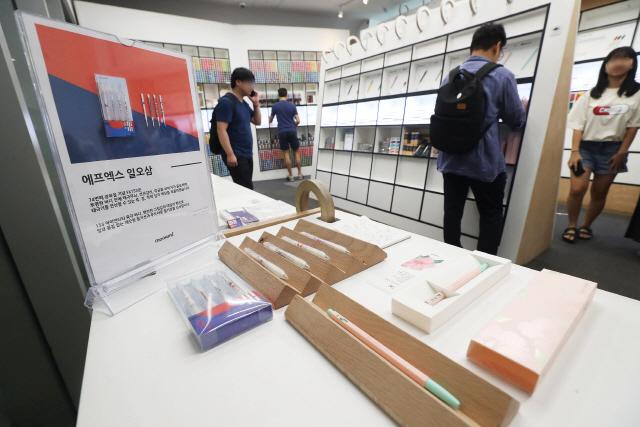 '日불매운동'에 국산 브랜드 각광…광복절 기념 한정판 매진 행렬
