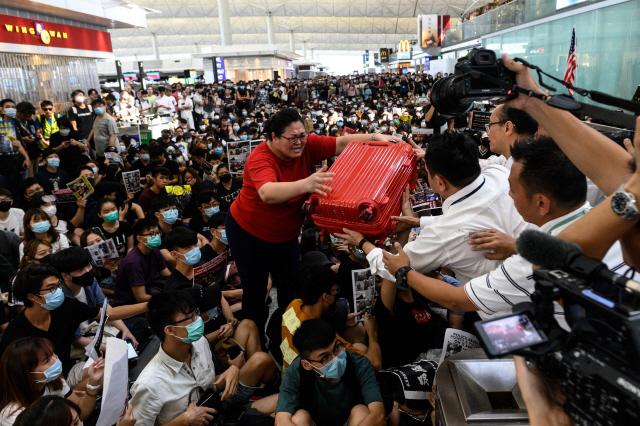 中, 홍콩에 본토 병력 투입도 검토…'무력진압땐 무역전쟁보다 큰 타격'