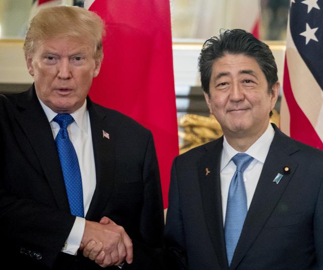 트럼프, 아베에 직접 거액의 美농산품 구입 요구…무역협상 흥정?