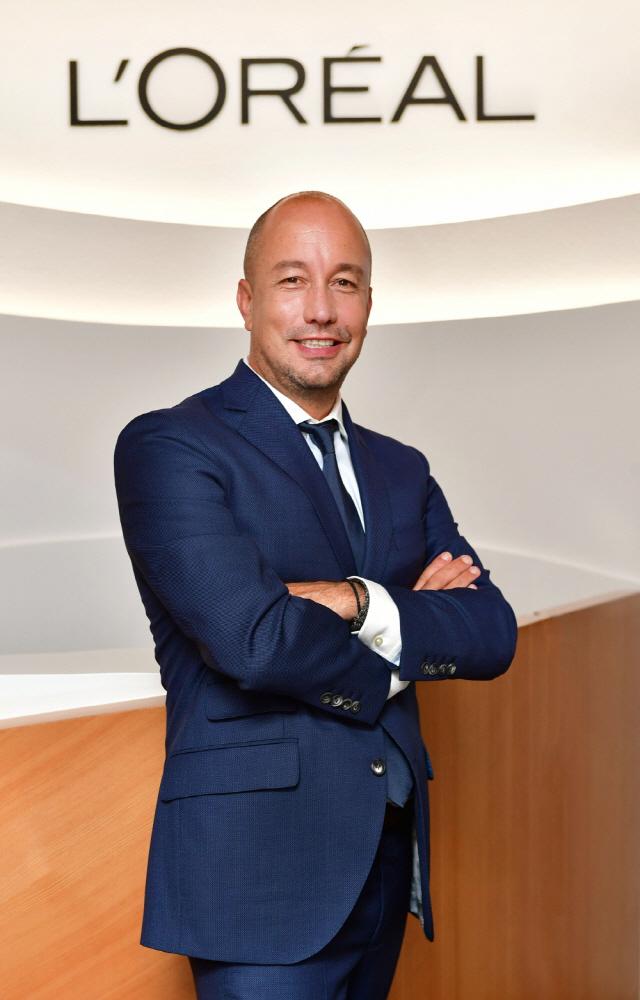 로레알코리아 대표 아르나이