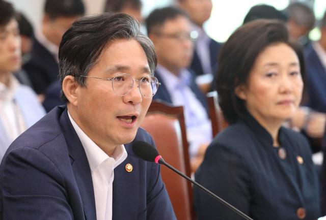 """성윤모 장관 """"日 수출규제..전화위복 계기 삼겠다"""""""