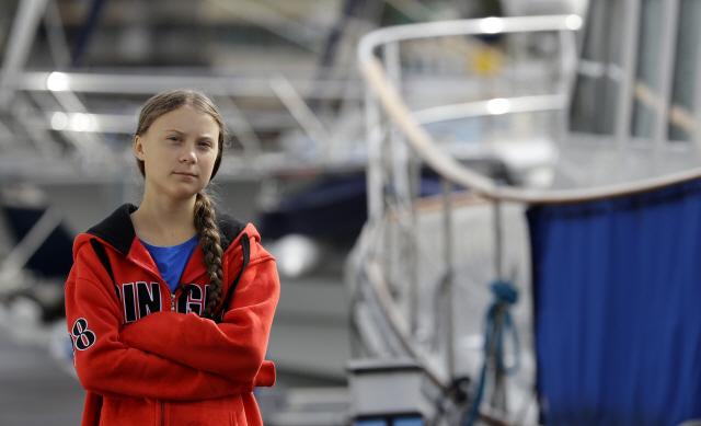 '기후변화 심각성 알리고 싶어요'...16세 소녀, 요트로 대서양 건넌다