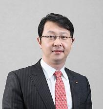 최재원 SK 수석부회장, SK 주식 580억 매도 왜?