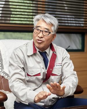 김명환 덕신하우징 회장 '日보다 데크 기술력 높아 내달 현지수출 성공 자신'