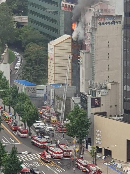 서울 남대문 인근 오피스텔서 화재…인명피해 없어(속보)
