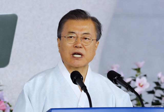 文대통령 '어떤 위기에도 '아무도 흔들 수 없는 나라' 다짐'(속보)
