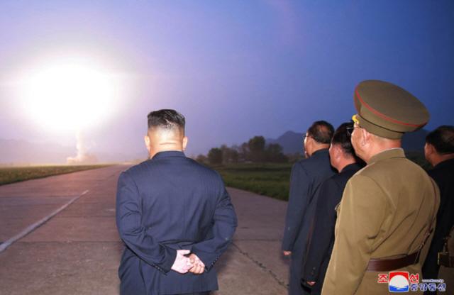 文 평화경제 외침에 北 '소대가리도 크게 웃을 일'...막말 쏟아낸 이유는?