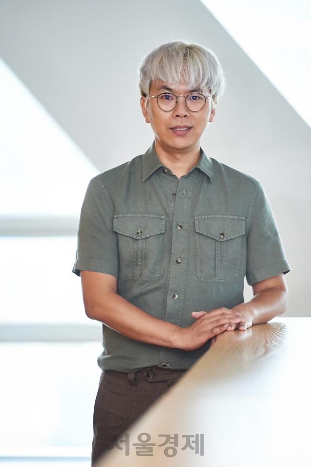 [문화계 뒷담화]대한민국 대표 예능 PD 나영석·김태호의 공통점과 차이점은