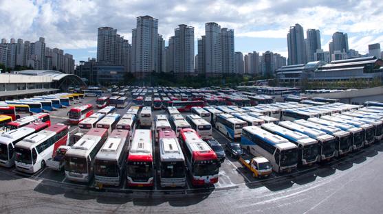 고속버스 티켓도 모바일이 대세…무인발권기도 늘어