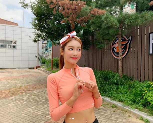 김연정 '이건 너무 예쁘잖아' 올해 마지막 래시가드? 섹시미가 뿜붐