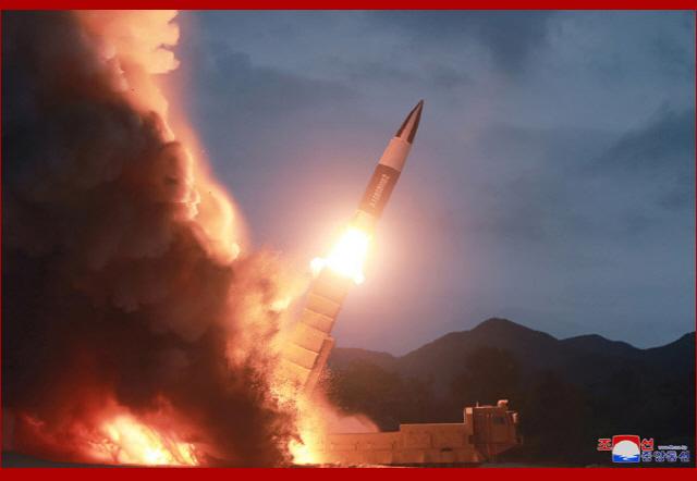 (속보)합참, 北 함남서 동해상으로 미상 발사체 2회 발사