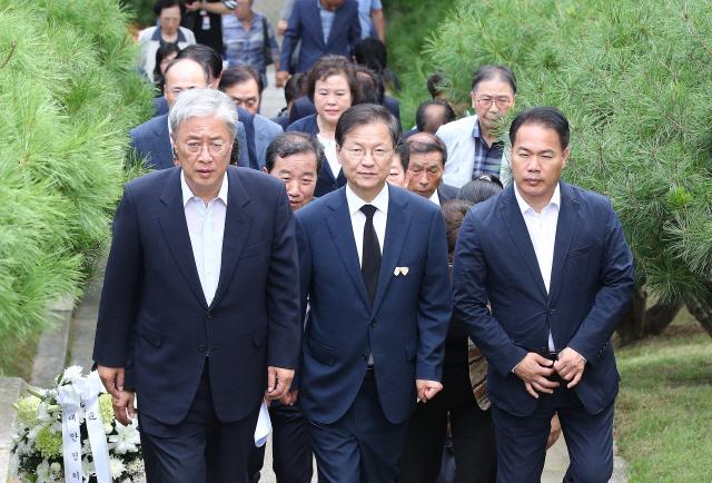 [뒷북정치]'안철수 아닌 안철수'…대안정치의 새 인물 고민