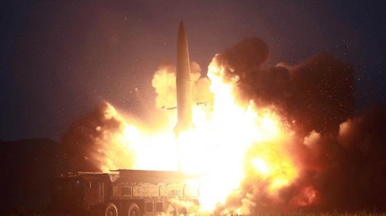 軍, 일본에 北 발사체 정보 공유...지소미아 11월 하순까지 유효