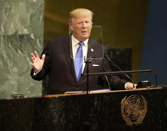 """北 미사일 발사 후에도 트럼프 """"北과 좋은 관계...김정은 솔직"""""""