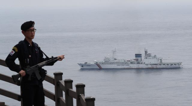 [종합] 육해공·해병대 '오늘 오전 독도방어훈련 돌입'