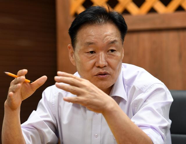 이계문 서민금융진흥위원장 '모럴해저드 무서워 채무조정 안하면 사회비용 늘어 악순환'
