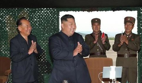 """그렇게 미사일 쏴댔는데…""""北주민들 10년 뒤에도 식량부족"""""""