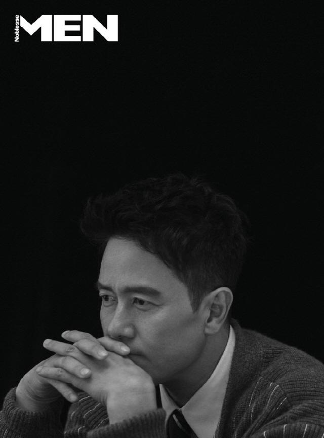 배우 감우성, 가을 감성 화보 공개..'남다른 품격+남성미' 물씬