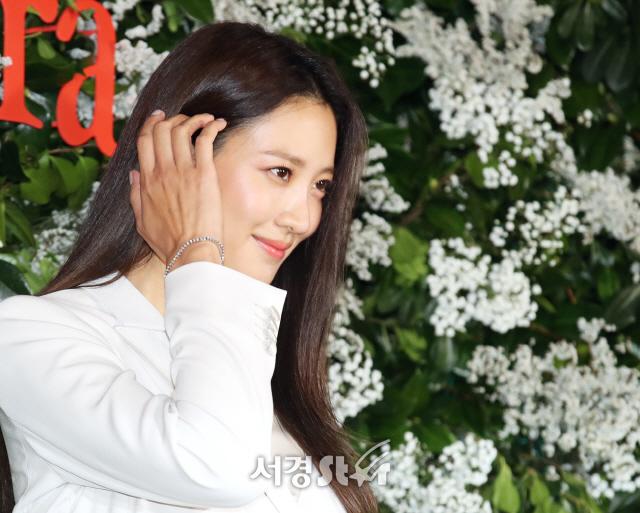 수현, 사랑에 빠진 여배우의 아름다움