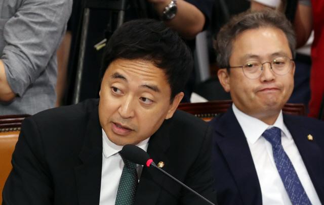 [조국 청문회]'조국 제자' 與 금태섭 '언행불일치' 쓴소리