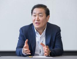한종희 삼성전자 사장 '1년간 8K 화질 차별화…이젠 폼팩터에도 집중'