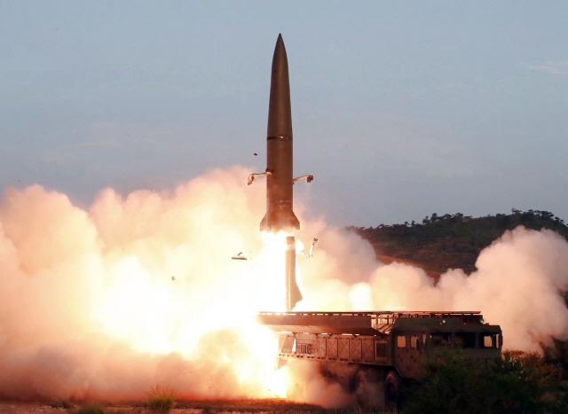 北 '이달 美와 대화' 하루만에 미사일 도발